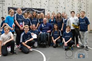 Laureus Sport for Good Körbe für Köln Xmas Cup 2015